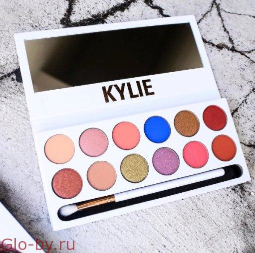 Kylie The royal Peach Pallete